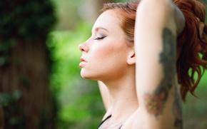 Обои blouse, Hattie Watson, tattoo, arm, redhead, female, tree, woman, girl, tattoos, model, beautiful