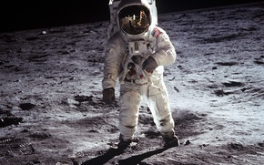 Обои луна, космонавт, аполлон 11