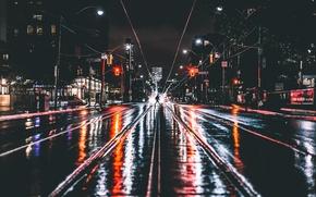 Обои ночь, город, огни, люди, мокрая дорога