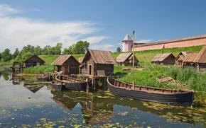 Картинка река, обои, башня, дома, лодки, кремль, wallpaper, деревянные, каменка, город-заповедник, Суздаль, Владимирская область