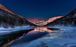 Картинка небо, снег, деревья, закат, горы, озеро