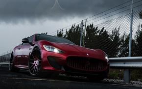 Картинка Maserati, Авто, Забор, Деревья, Тюнинг, Тучи, Машины, GranTurismo, Диски