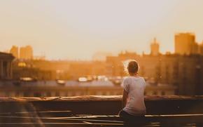 Картинка крыша, девушка, город, утро, Москва, Alone