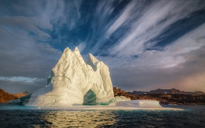 Картинка море, облака, айсберг, льдина, фьорд, Гренландия, Greenland, Scoresby Sound, залив Скорсби