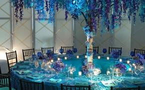 Обои цветы, ресторан, столик, сирень, бокалы, столовые приборы, голубой цвет, посуда