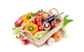 Картинка корзина, лук, баклажаны, перец, помидоры, шампиньоны, кабачки