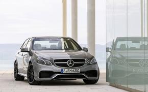 Картинка Mercedes-Benz, Стекло, Отражение, Машина, Серый, AMG, Передок, E 63