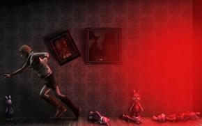 Картинка девушка, комната, стена, мрак, игрушки, юбка, сапоги, арт, бег, блондинка, картины, бежит, жилет, мрачность, Heather …