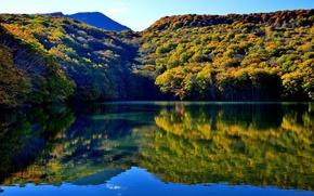 Картинка лес, вода, горы, озеро, отражение, Япония, Japan, Товада, Towada, Aomori Prefecture, Tsuta Numa