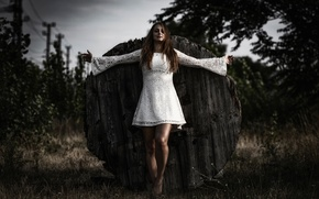 Картинка девушка, платье, фотограф, ножки, Jesus Christ Pose, Matthaeus Anton Schmid, Nina Kummer