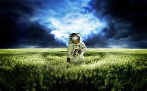 Обои скафандр, отражение, ситуация, трава, планета, зелёный, поле, луг, небо, Космонавт, синий, облака