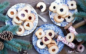 Картинка зима, ветки, еда, ель, печенье, тарелки, ёлка, шишки, десерт, выпечка, праздники, джем, Anna Verdina