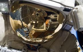 Картинка отражение, Космос, шлем, Российский космонавт, скафандр Орлан МК