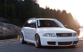 Картинка audi, white, wheels, quattro, tuning, germany, low, stance, rs4