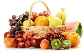 Обои арбуз, киви, корзинка, абрикосы, черешня, ягоды, фрукты, груши, апельсины, яблоки, виноград, бананы, клубника