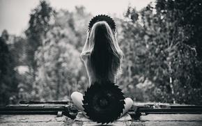 Картинка Saw, спина, девушка, пильный, по дереву, ножки, диск