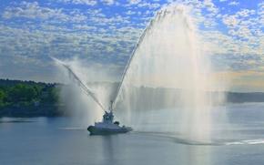Картинка водомёты, Stockholm, Стокгольм, Швеция, буксир, салют, порт, Sweden, фонтан