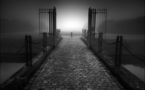 Картинка дорога, туман, ограда, ворота, сумерки, Меланхолия