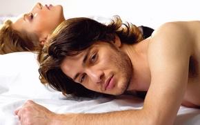 Картинка взгляд, девушка, любовь, романтика, постель, парень, влюбленные, woman, man, passion, feeling