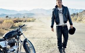 Картинка дорога, горы, куртка, мотоцикл, мужчина, Channing Tatum, Ченнинг Татум