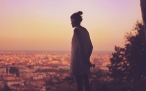 Картинка city, girl, twilight, dress, sunset, evening, dusk, serenity, silence, cityscape