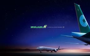 Картинка небо, ночь, огни, полоса, звёзды, аэропорт, Boeing, самолёт, посадка, шасси, взлётная, боинг, 300, впп, B-777, …