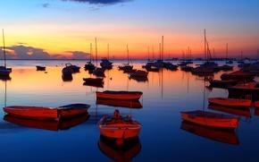 Картинка море, небо, вода, облака, закат, огни, лодки, вечер