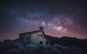 Обои космос, звезды, гора, церковь, Млечный Путь