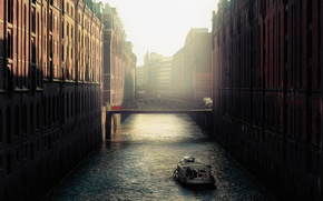 Картинка bridge, Germany, water, buildings, boat, Speicherstadt, Hamburg, canal, ferry, narrow