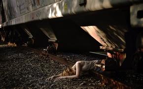 Картинка девушка, поезд, железная дорога