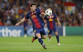 Обои газон, футбол, мяч, удар, football, Лионель Месси, Lionel Messi, Барселона, Barcelona, ball, Champions league, Лига ...
