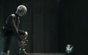 Картинка девушка, оружие, шлем, броня, раздевалка, шкафчик
