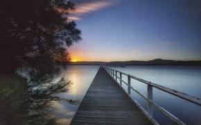 Картинка горы, озеро, дерево, рассвет, утро, пирс