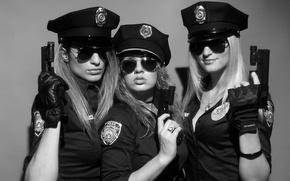 Картинка Полицейские, Девушки с оружием, Три девушки