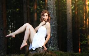 Картинка лес, девушка, платье, ножки, Julia, Forest beauty