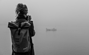 Картинка girl, photo, lake, fog, boat, mist, adventure, traveling