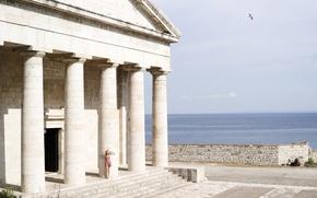 Картинка девушка, колонны, храм
