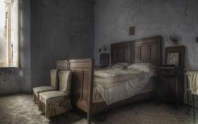 Картинка кровать, кресло, окно