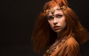 Картинка взгляд, украшения, стиль, girl, рыжеволосая, средневековье, style, боке, wallpaper., beautiful background, красивая девушка Ревекка, амуниция ...