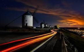 Картинка дорога, небо, звезды, свет, ночь, выдержка, Испания, ветряные мельницы, брыльянты