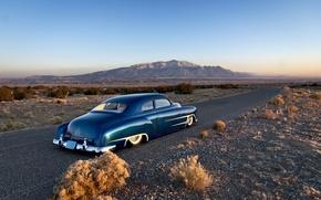 Картинка дорога, небо, горы, Chevrolet, горизонт, классика, задний, 1951, обычай, боковой, рубленые