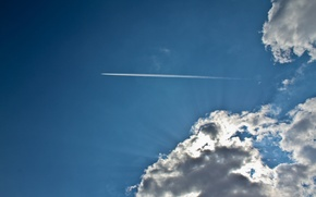 Картинка небо, облака, лучи, свет, самолет, синее, sky, blue, clouds, airplane