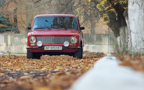 Картинка осень, листья, седан, красная, Lada, Лада, Vaz, автоваз, 21011