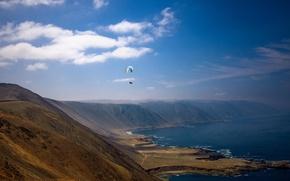 Картинка холмы, берег, параплан, пилот, море, лето, небо, солнечный, облака