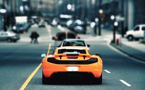 Картинка дорога, город, McLaren, MP4-12C, розмытость