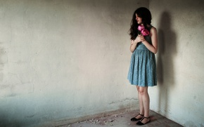 Картинка девушка, цветы, комната