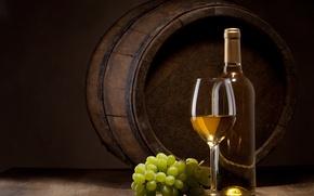 Обои бутылка, бочка, белое, бокал, вино, лоза