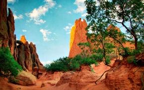 Картинка небо, листья, облака, деревья, пейзаж, горы, скалы