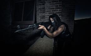 Обои оружие, ночь, девушка, автомат, цель