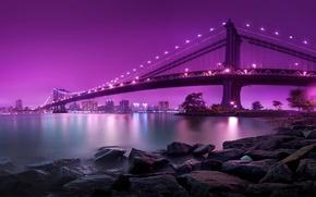 Картинка вода, ночь, lights, огни, камни, берег, Нью-Йорк, освещение, USA, США, Бруклинский мост, Манхэттен, water, night, …
